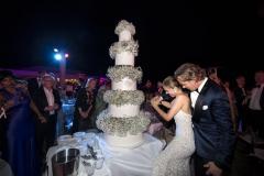 Newlyweds-Cut-Impressive-5-Tiered-Cake