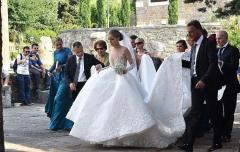 crystal-heiress-victoria-swarovski-sparkles-319m-wedding-dress