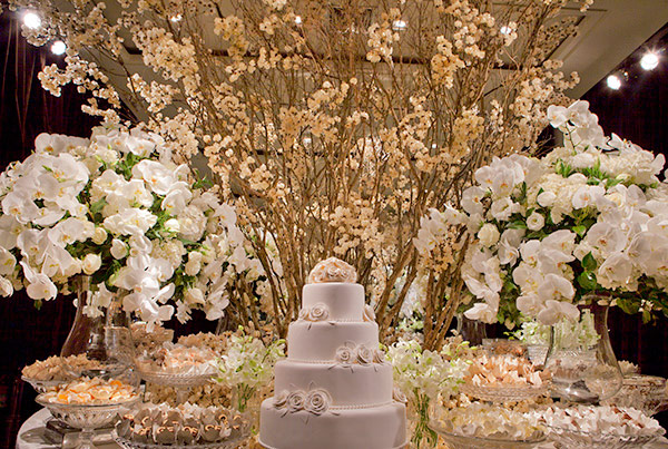 decoracao-de-casamento-todo-branco-luzinha-cenographia-casa-petra-01