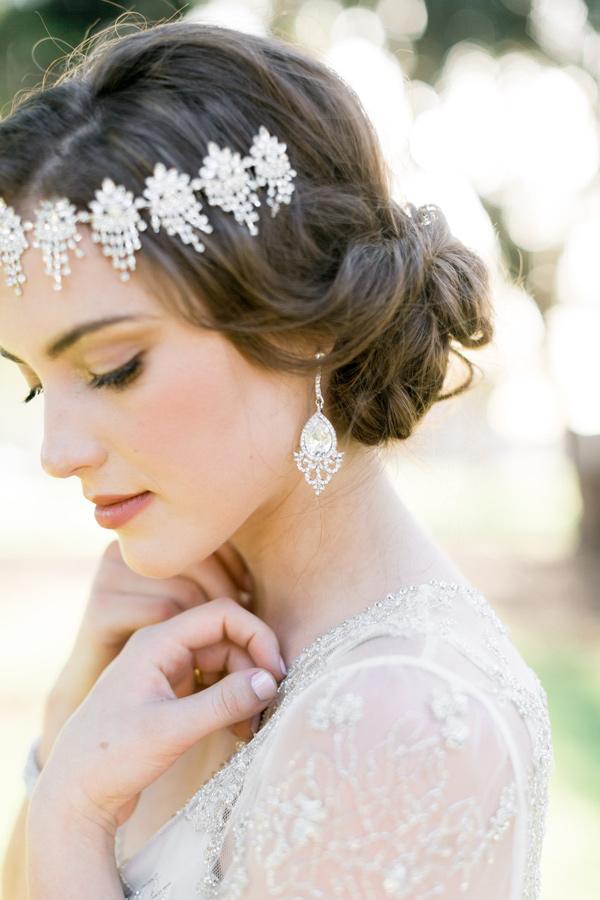 Ruffled - photo by Natalie Schutt Photography http://ruffledblog.com/modern-gatsby-wedding-inspiration