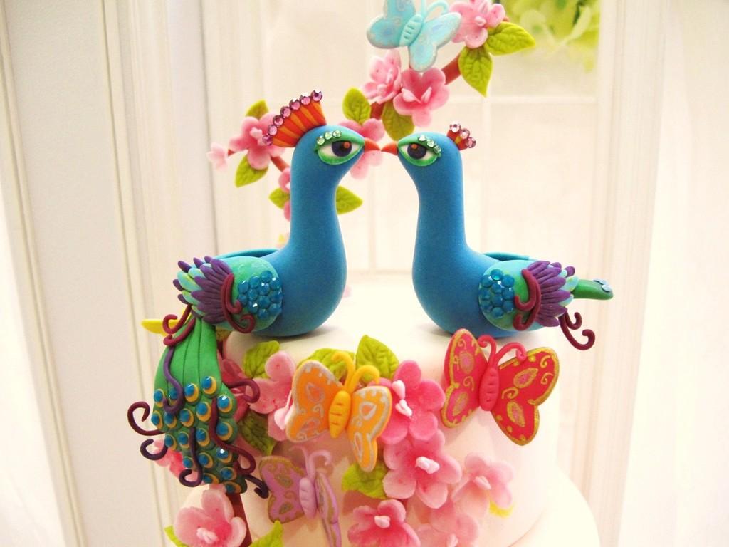 tort-de-nunta-decor-colorat