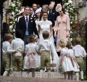 409257E500000578-4524842-The_33_year_old_married_financier_James_Matthews_41_wearing_a_co-a-7_1495301739938