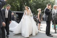 hbz-swarovski-wedding-dress-1-1498060784