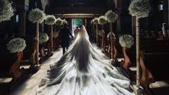 victoria-swarovski-wedding-dress-0617_horiz