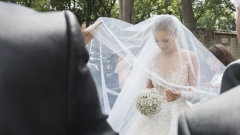 victoria-swarovski-wedding-dress-veil