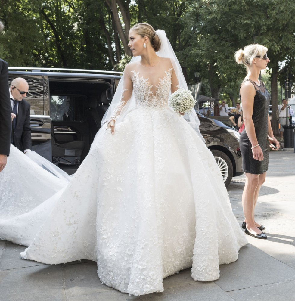 victoria-swarovski-wedding-dress
