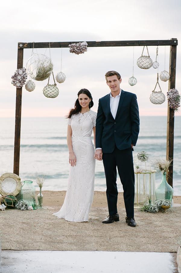 Ruffled - photo by John Schnack Photography http://ruffledblog.com/seaside-wedding-inspiration-shoot
